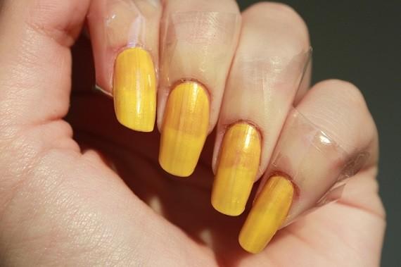 Nail Art Autumn Leaf 02 - Nagelfabriek Blog