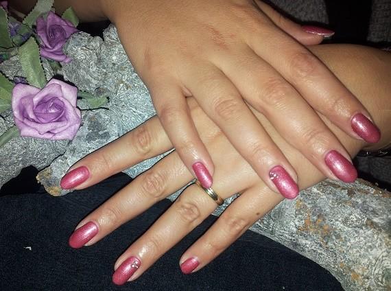 Brit Roze - Nagelfabriek Blog