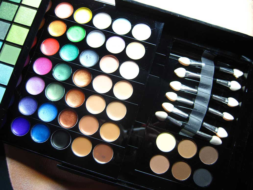 Make-up-Treasurebox-55---Nagelfabriek-Blog