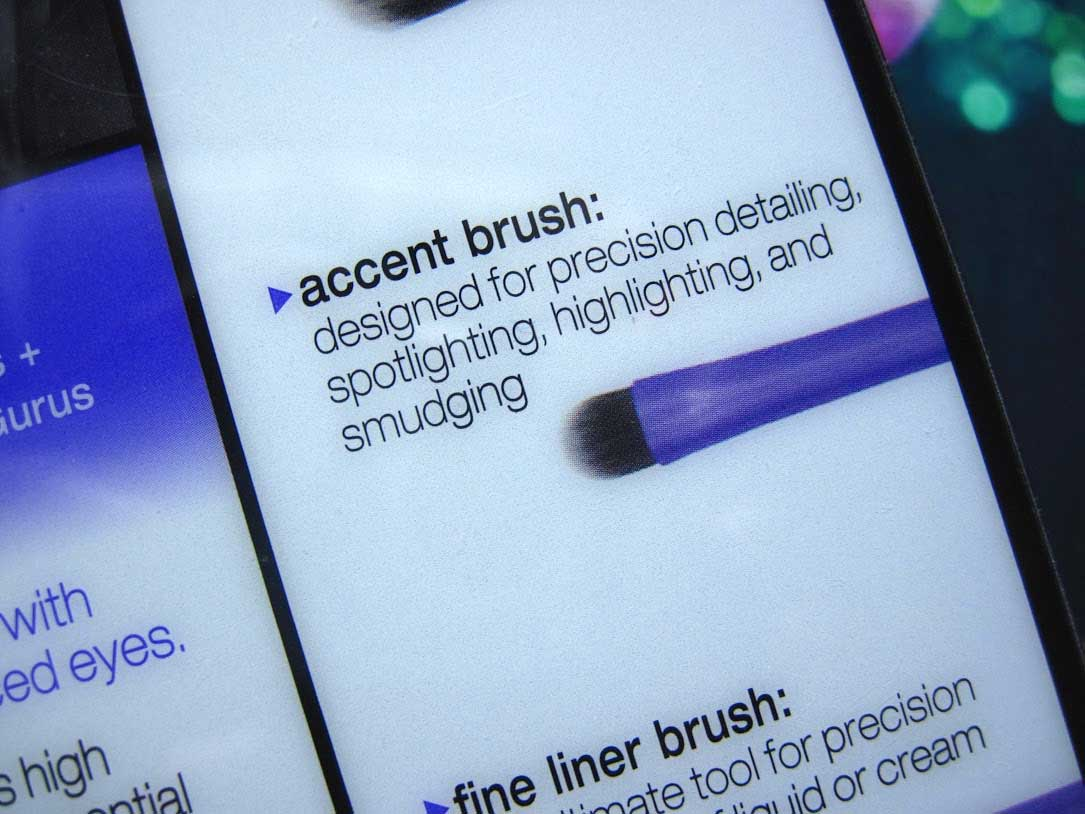 Real-Techniques-Accent-Brush-12