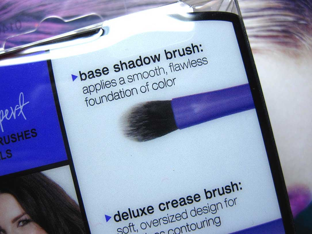 Real-Techniques-Base-Shadow-Brush-6